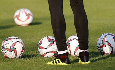 فوتبال باید به کرونا عادت کند؛ تدبیر را جایگزین بهانه کنید
