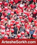 حواشی بازی: درگیری هواداران دو تیم در بیرون ورزشگاه و شادی عجیب سرخ ها / بازیکن پرسپولیس را به رختکن راه ندادند