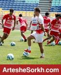 گزارش تمرین: فوتبال درون تیمی در هوای مطبوع امارات/مربی اسبق تیم ملی به دیدار سرخ پوشان آمد