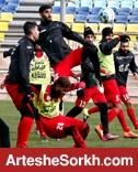 گزارش تمرین: سید جلال خیال پرسپولیسی ها را راحت کرد / حضور یک خواننده در ورزشگاه